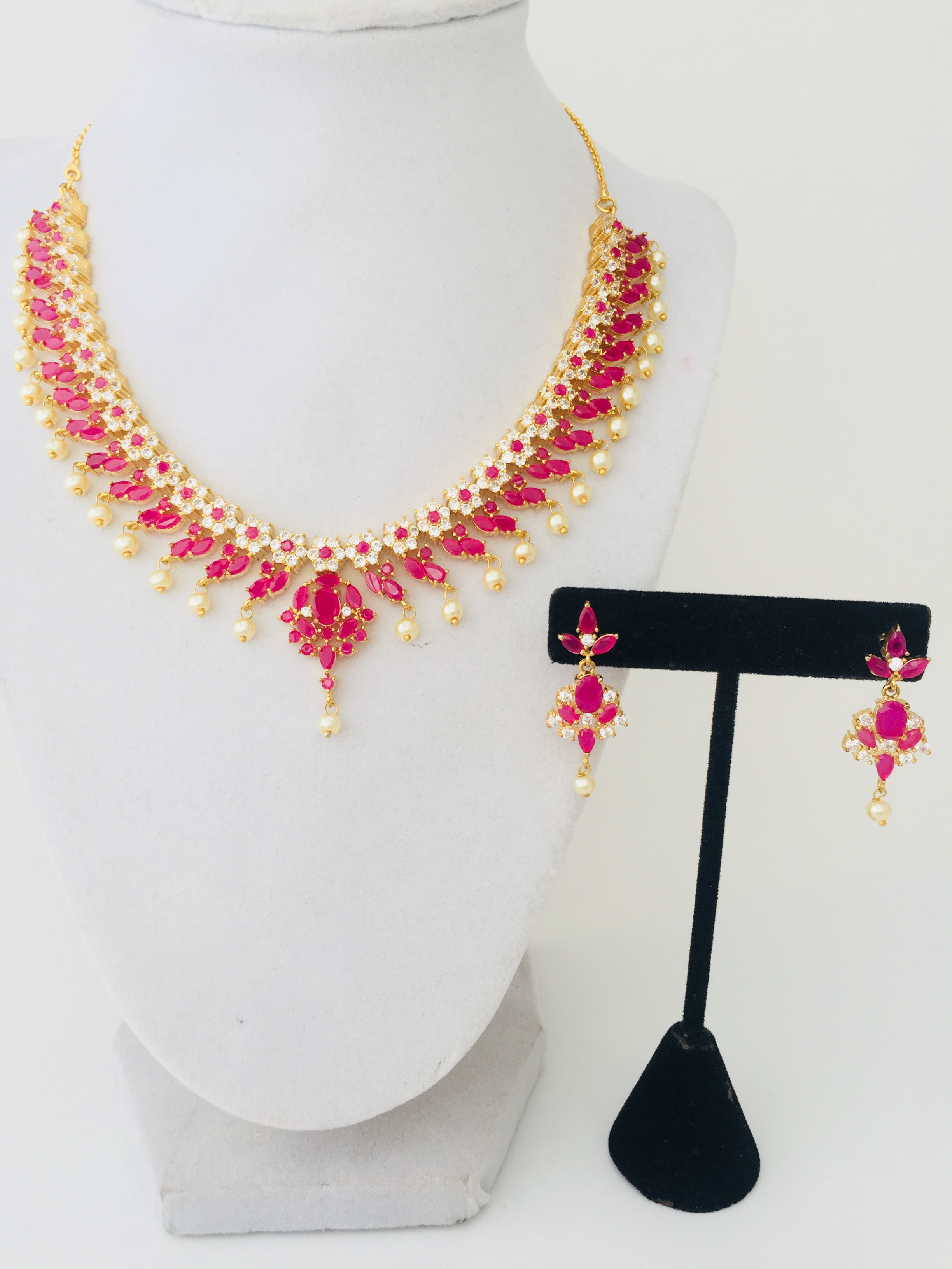3d7defca6bb10 Ruby Necklace Set in Pearls and Stones